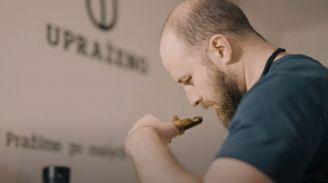BeWooden - Pražení kávy je o experimentování, ochutnávání a lehké závislosti na kávě, říká pražič Tom Kocáb